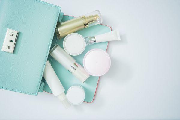 お肌に良い化粧アイテムとは?化粧品の効果や魅力を解説