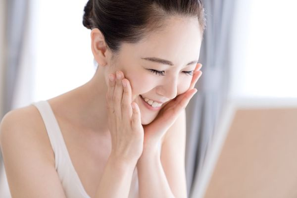 お肌の乾燥をケアする保湿効果とは?保湿の重要性について