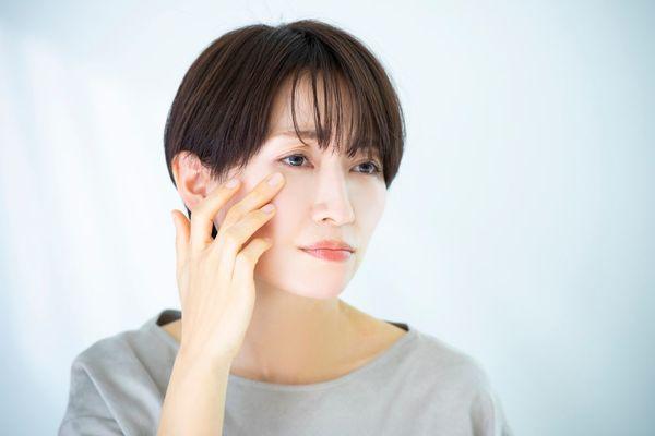 心身のストレスは肌荒れに直結?美肌のためのストレス解消法や肌荒れ時のスキンケアを解説